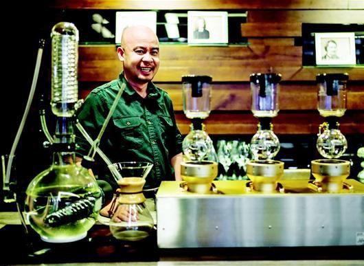 邓黎原羽:弃医从商的越南咖啡大王